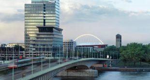 Seit dem 1. August 2013 steuert der Spezialchemie-Konzern LANXESS offiziell seine weltweiten Geschäfte vom Kölner LANXESS Tower aus. - Foto: Foto: LANXESS AG