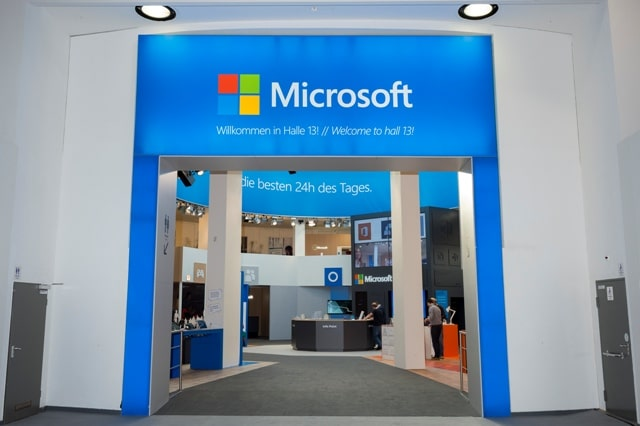 Microsoft Messestand. Auf der Orgatec stellte Microsoft gesellschatliche und wirtschatliche Umbrüche in den Fokus. - copyright: Microsoft