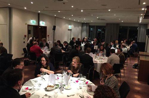"""Das sogenannte """"Business Dinner"""" der XING-Regionalgruppe Köln findet dreimal im Jahr statt. Nächster Termin ist der 15. November 2016, wie üblich im Pullman Hotel Cologne. Bei dieser Veranstaltung wechseln die Tischnachbarn nach jedem Gang. - copyright: Martin Müller"""