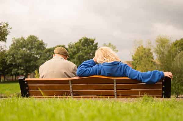 Der Anteil der Senioren in unserer Gesellschaft nimmt drastisch zu. Doch es fehlt bisher häufig an zeitgemäßen Möglichkeiten zur Freizeitgestaltung und sozialer Vernetzung. Das Portal Trevivo soll diese Lücke schließen. - copyright: pixabay.com