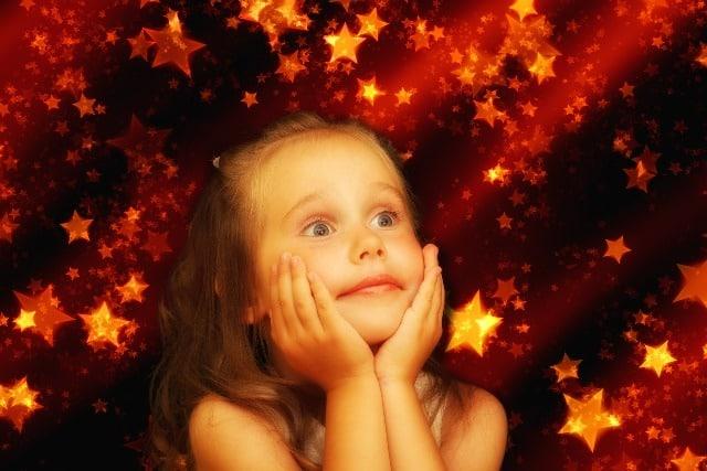 """Damit Kinderaugen strahlen: Unter dem Motto """"Die Superstars zu Weihnachten"""" präsentiert Toys""""R""""Us die 15 angesagtesten Geschenkideen aus dem Bereich Spielwaren. - copyright: pixabay.com"""