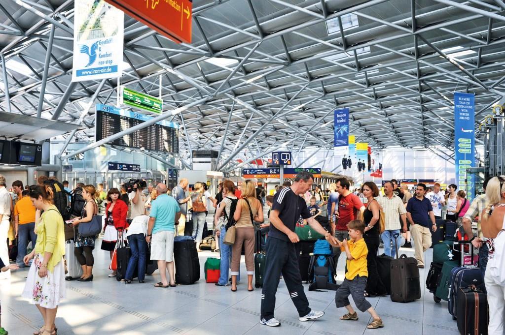 Pilotprojekt für die Fluggastkontrolle - copyright: Köln Bonn Airport