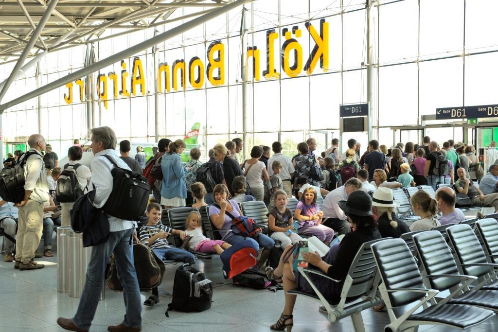 Kontrollen am Flughafen sollen übersichtlicher, entspannter und effizienter werden - copyright: Köln Bonn Airport