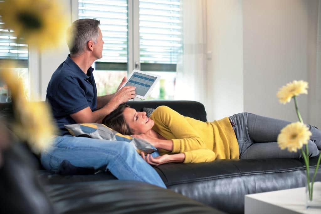 Smart Home: Sicherheit, Komfort und Energieeffizienz im Kommen - copyright: devolo AG / Matthias Capellmann
