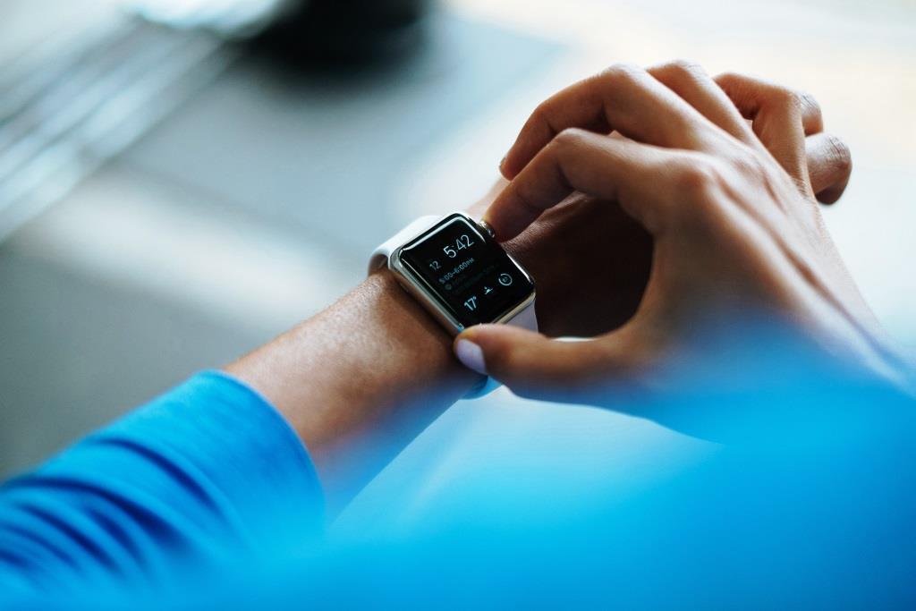 21 Prozent der Befragtem wollen ihr Geld demnächst für sogenannte Wearables, also beispielsweise Fitness-Tracker oder Smart Watches, ausgeben - copyright: pixabay.com