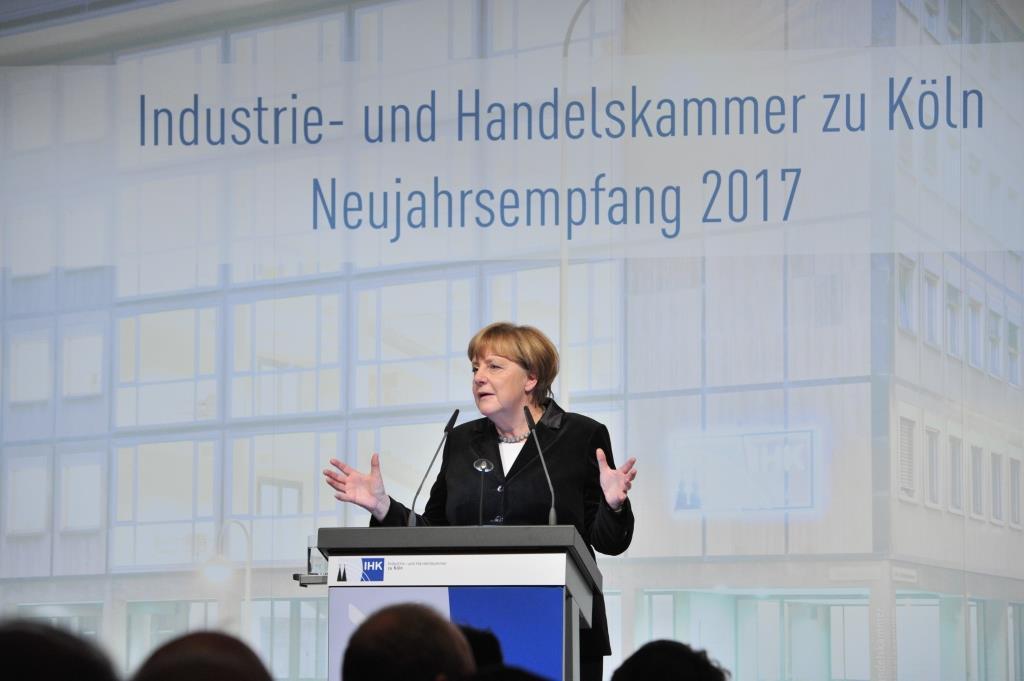 Bundeskanzlerin Angela Merkel lobte beim Neujahrsempfang der Industrie- und Handelskammer (IHK) Köln als weltoffen und tolerant. - copyright: Olaf-Wull Nickel