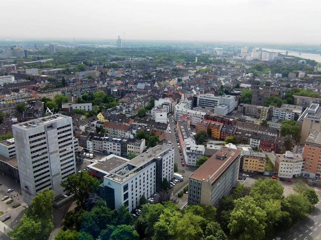 """Die Kölner Stadtteile Deutz und Kalk – viele Jahre als """"No-Go"""" abgetan – haben den Boom gerettet. - copyright: pixabay.com"""