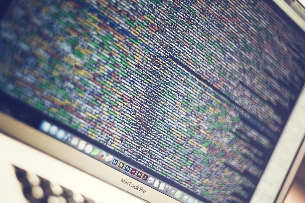 Java ist heute einer der bekanntesten Software-Sprachen und liegt stets auf den Plätzen eins oder zwei der Rankings wie dem TIOBE-Index oder dem RedMonk-Programmiersprachen-Index. - copyright: pixabay.com