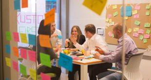 Mit Innovationen in Richtung Zukunft: Neue Wege im Versicherungsgeschäft - copyright: AXA