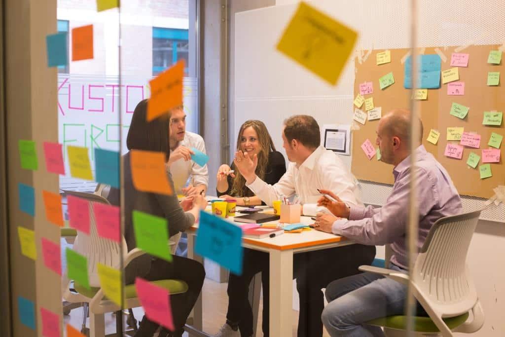 Mit Innovationen in Richtung Zukunft: Neue Wege in der Versicherungsbranche wagen - copyright: AXA
