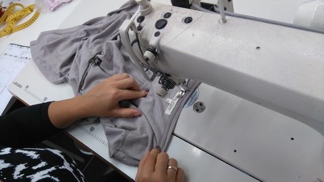 Konsumenten achten beim Kauf nun – neben dem Design und analog zu ihren Wertvorstellungen – auch auf ökologische und soziale Aspekte der Herstellung. - copyright: Green Cotton