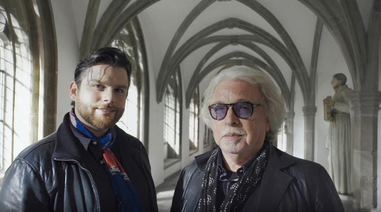Unter anderem kommen Bernhard Paul, Gründer des Circus Roncalli, und sein Sohn Adrian zum Thema Unternehmensnachfolge zu Wort. - copyright: Screenshot YouTube