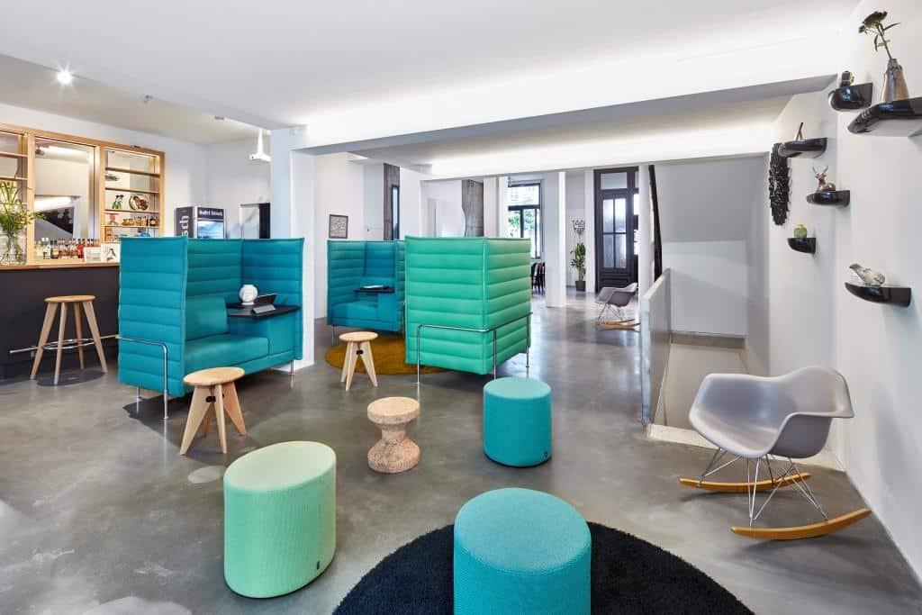 Das Wertheim verfügt über verschiedene Büro- und Meetingräume, alle sind individuell in Zusammenarbeit mit dem Möbelhersteller Vitra Möbel eingerichtet. copyright: Wertheim Cologne über Event Inc