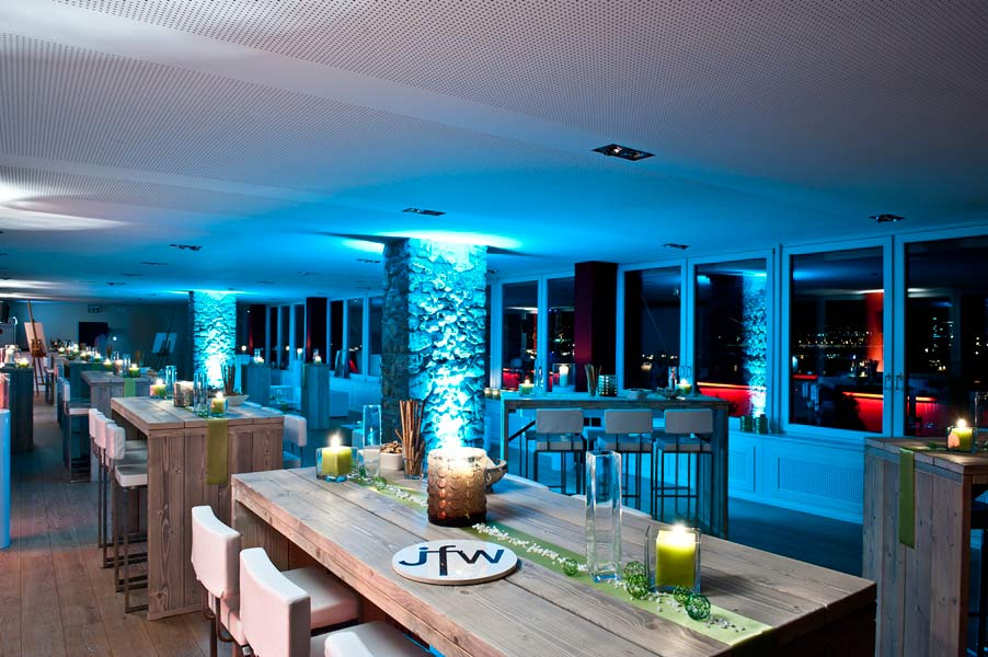 Zentraler Anziehungspunkt für jede Art von Veranstaltung copyright; Rheinloft Cologne