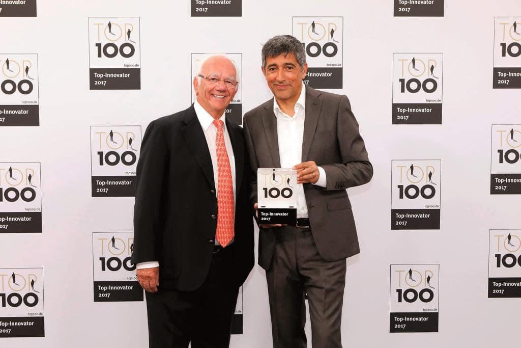 Ernst Blissenbach (hier mit Ranga Yogeshwar) wurde für sein Unternehmen bereits mehrfach ausgezeichnet. © KD Busch / compamedia GmbH