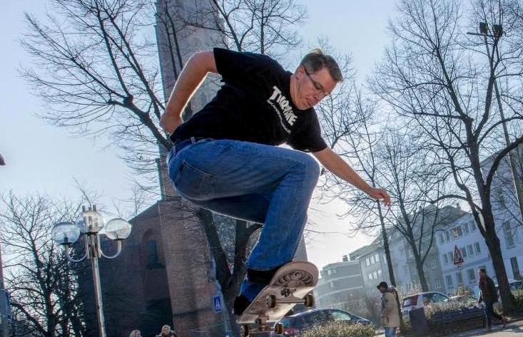 """Schon beim Skaten machte Frank Thelen die alles bestimmende Erfahrung: """"Immer wieder aufstehen!"""" copyright: Frank Thelen/frank.io"""