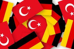 Die türkische Lira schwächelt - keine leichte Situation für deutsche Unternehmen mit Beziehungen in die Türkeicopyright: Pixabay