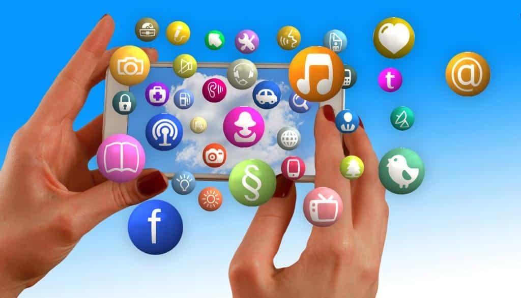 Im Zeitalter der Digitalisierung hat sich die Art und Weise, wie wir miteinander kommunizieren, stark gewandelt. copyright: pixabay