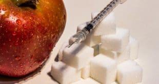 Apfel oder Süßkram? Die Entscheidung kann den Krankheitsverlauf maßgeblich beeinflussen. Credit: pixabay