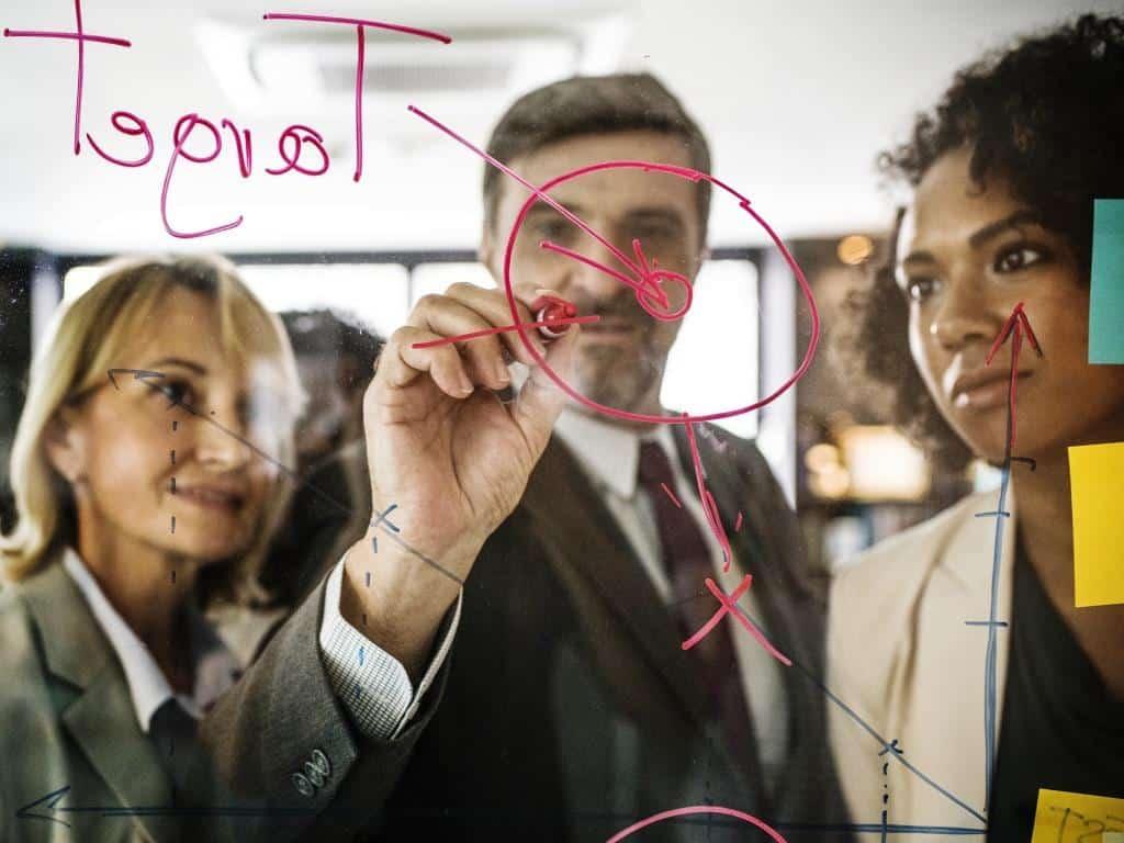 Das Berufsbild des Interim-Manager ist geprägt von berufserfahrenen Allroundern. copyright: pixabay.com