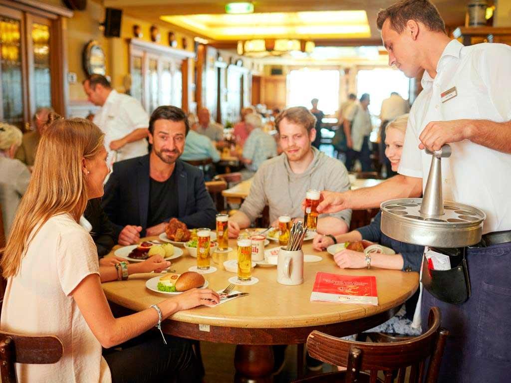 Der Welt die rheinische Küche schmackhaft machen! copyright: KölnTourismus GmbH / Dieter Jacobi