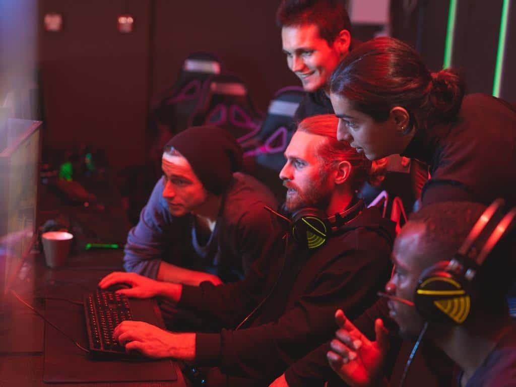 Community ist elementarer Bestandteil von Computer- und Videospielen copyright: Envato / seventyfourimages