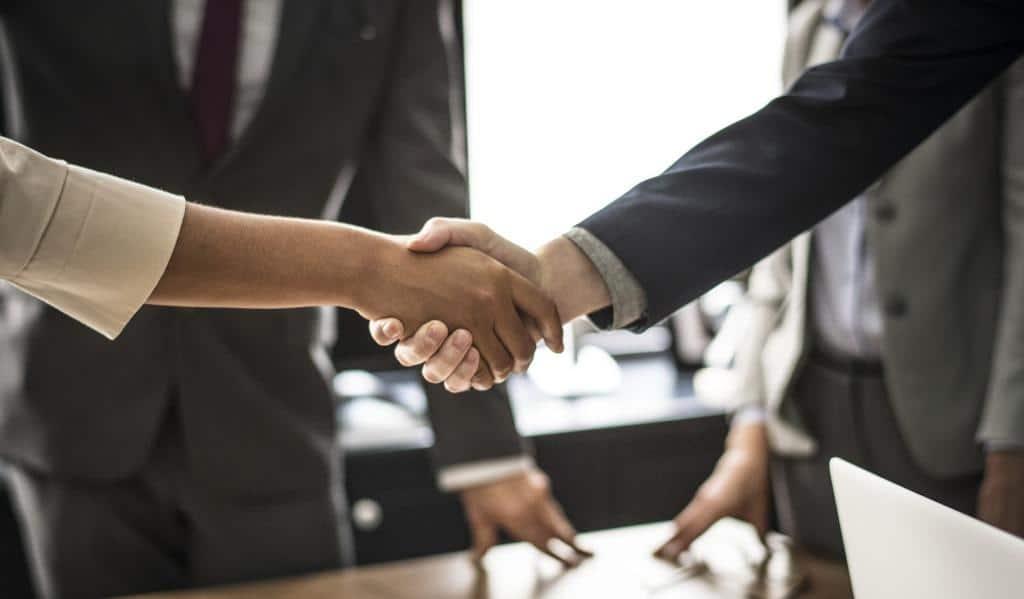 Neue potentielle Mitarbeiter finden Personalexperten häufig durch gezielte Direktansprache. Copyright: Pixabay