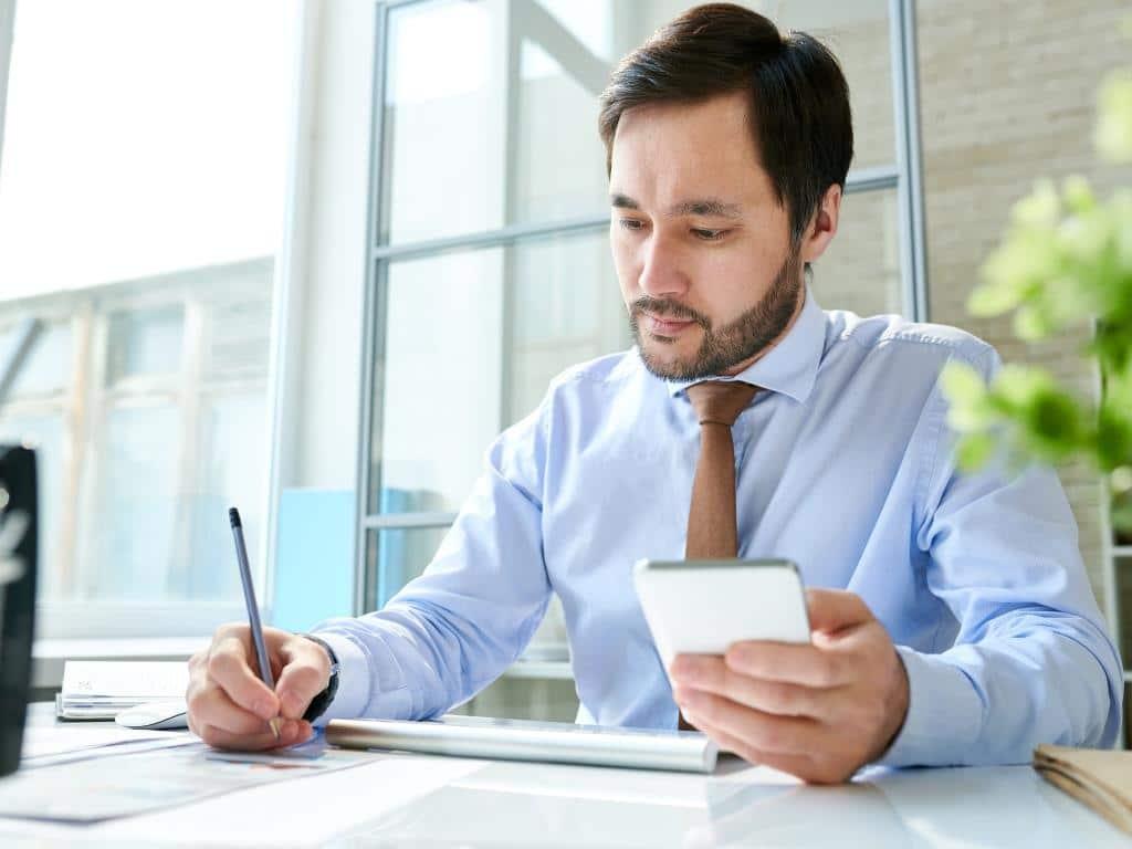 Stellensuche und Mitarbeiter finden via Smartphone immer populärer copyright: Envato / seventyfourimages