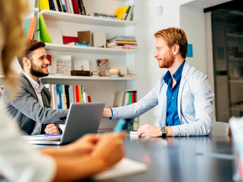 e#Erfahrene Personalverantwortliche brauchen deutlich weniger als eine Minute, um zu erkennen, ob ein Bewerber zur ausgeschriebenen Stelle – und überhaupt zum Unternehmen – passt. copyright: Envato / nd3000