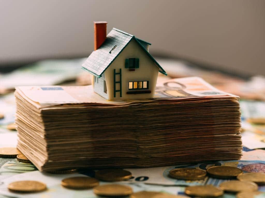 Vorgehen gegen Geldwäsche in der Immobilienbranche copyright: Envato / ivankmit