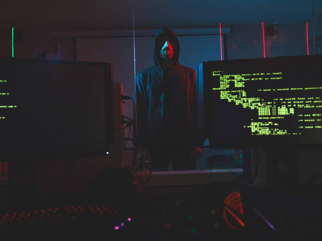 Hacker werden immer professioneller. copyright: Envato / seventyfourimages