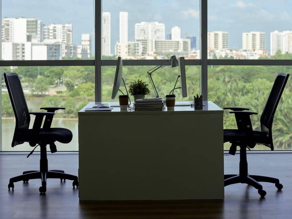 Welche Bedingungen sollte ein Bürostuhl erfüllen? copyright: Envato / DragonImages
