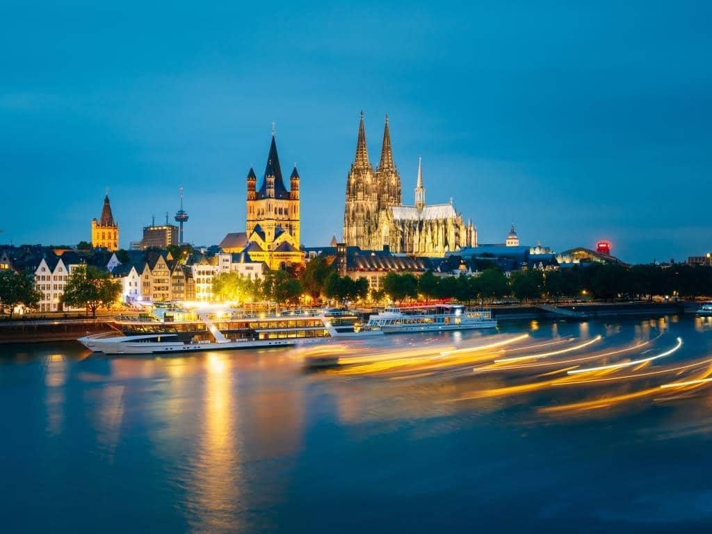 Wasserbus-System auf dem Rhein hat für Köln ein verkehrliches Potenzial copyright: Envato / Grigory_bruev