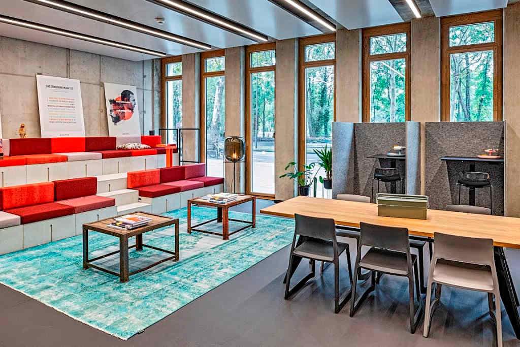 Die Standorte in der Kölner City überzeugen mit flexiblen Arbeitslandschaften in bester Innenstadtlage, guter Erreichbarkeit und einer hohen Servicequalität. copyright: Design Offices GmbH